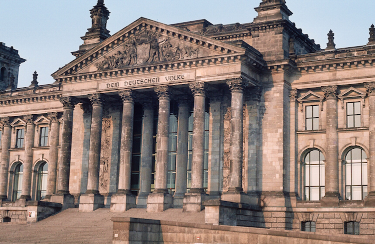 D03_Hoofdingang Reichstag
