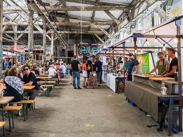 Foodmarket Berlin – zondagse food markt op het RAW Gelände