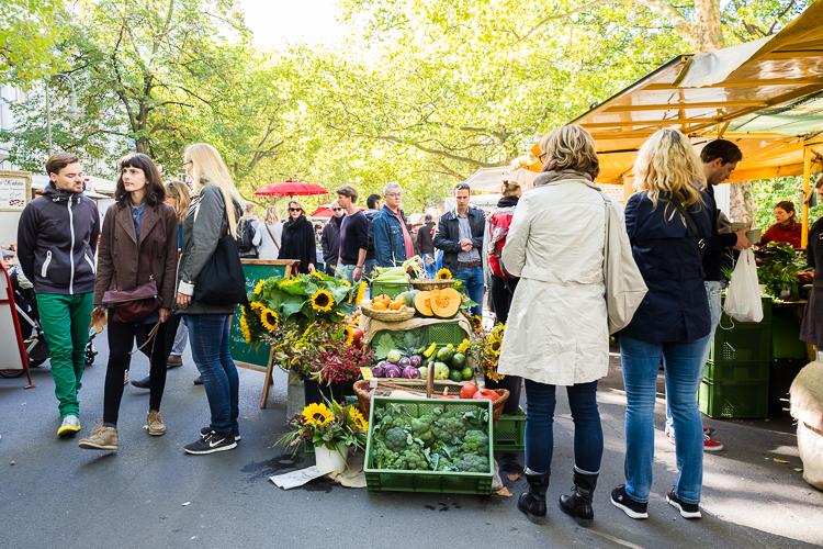 Markt op de Kollwitzplatz in Prenzlauer Berg